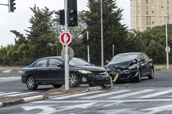 a side impact crash at an intersection involving two cars